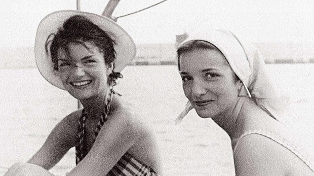 Las hermanas Bouvier, en una imagen de juventud