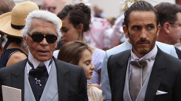 Karl Lagerfeld y su guardaespaldas