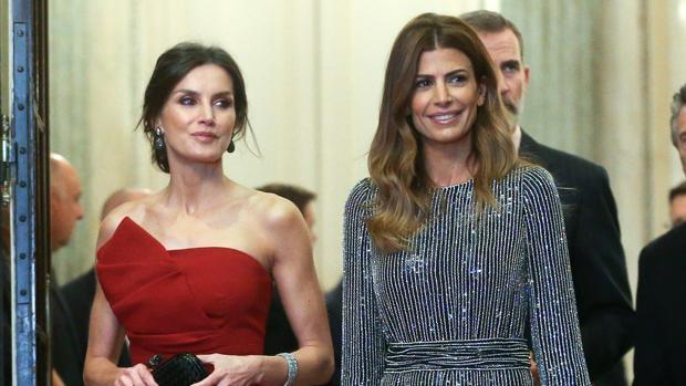 Todas las claves del guardarropa de la Reina en Argentina