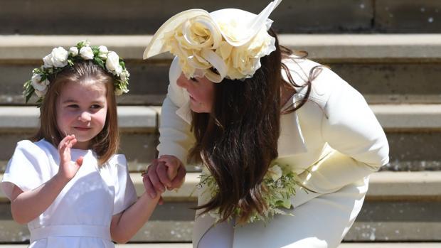 Catalina de Cambridge junto a su hija la Princesa Carlota