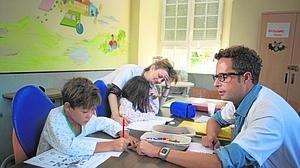 Miles de niños en nuestro país van al colegio en pijama