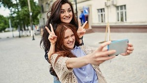¿Quiénes se hacen más «selfies»: los hombres o las mujeres?