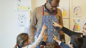 La moda de regalar a los profesores a fin de curso, ¿a favor o en contra?