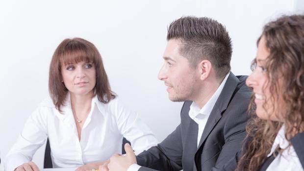 Se debe aprender a transmitir entusiasmo con la idea que se comunica y seguridad en uno mismo