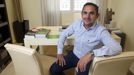 El psicólogo Jorge López Pérez Vallejo, en su consulta