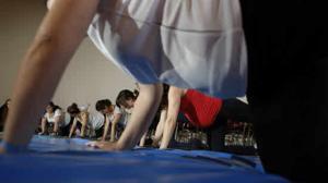El ejercicio físico moderado en el embarazo protege y mejora el bienestar de la madre y el feto