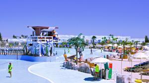 Un nuevo parque acuático abre sus puertas: el Warner Beach