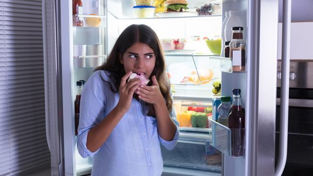 Cuando el «hambre emocional» es excesiva puede aparecer el «trastorno por atracón»