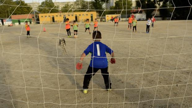 Imagen de archivo de niños jugando en Usera