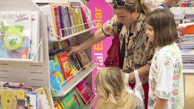 Los libros de texto suponen el 50% del presupuesto de la vuelta al cole