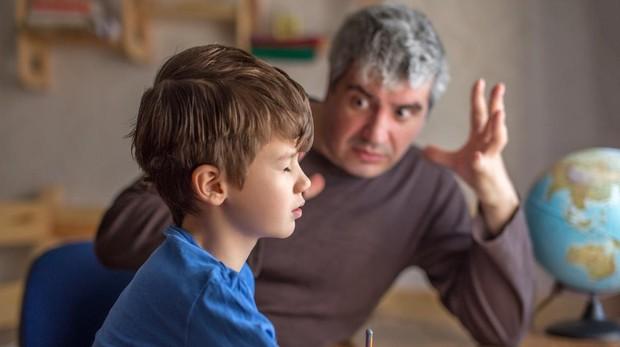 Las tácticas de un profesor para que los niños hagan deberes sin discutir