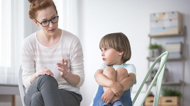 «A los padres nos cuesta mucho hablar de emociones con los hijos»