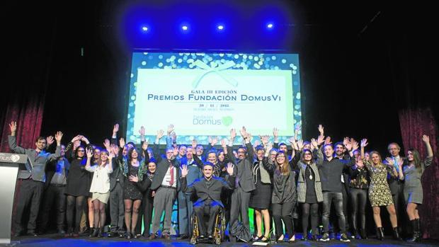 Foto de familia de la III edición de los Premios DomusVI