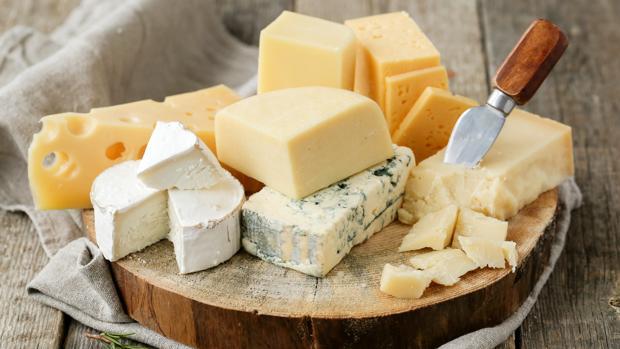 Los quesos curados tienen más calorías