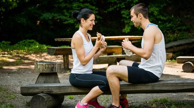 Consumir un exceso de carbohidratos de rápida absorción es uno de los errores que identifican las expertas