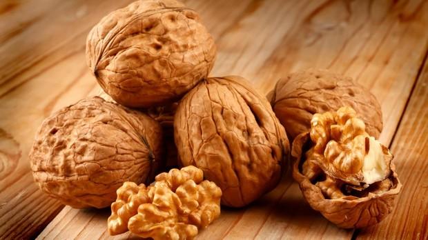 Las nueces favorecen el desarrollo neurológico, además de las avellanas, los cacahuetes, los piñones y las almendras