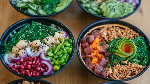 La disposición de los ingredientes del «poke bowl» es fundamental para que resulten atractivos