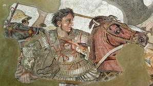 El día que César Augusto rompió la nariz del cadáver de Alejandro Magno