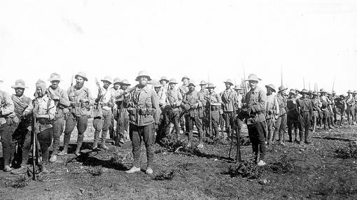 Tropas españolas del Tercio de Extranjeros. Tras Annual, se desplazaron a Melilla para defenderla de los rifeños