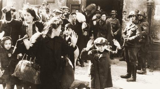 Judíos, durante el levantamiento del gueto