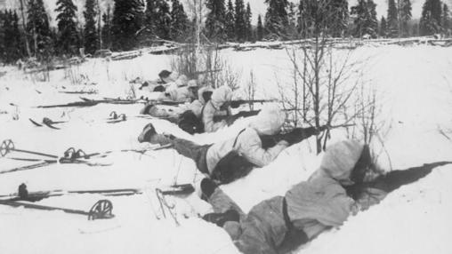 Tropas finlandesas defienden su país ante los soviéticos