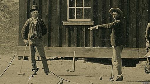 Billy «el niño» jugando al croquet