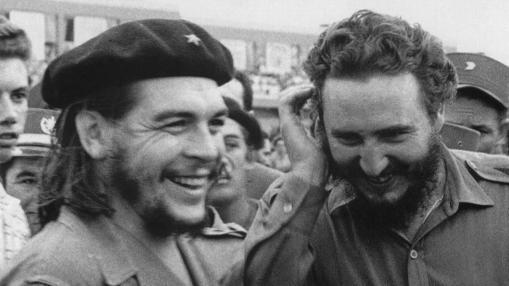 El Che, en 1960 junto a Fidel Castro