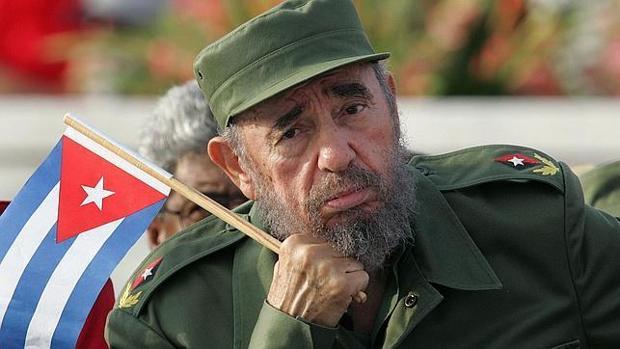 Fotografía de archivo, de 2003, de Fidel Castro