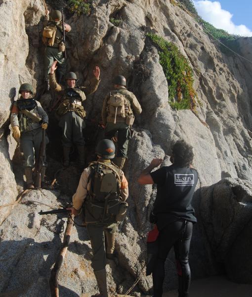 Los Rangers de Clavero, escalando Point du Hoc