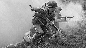 Pointe du Hoc: La misión suicida en la que 200 Rangers escalaron un acantilado lleno de nazis durante el Día D