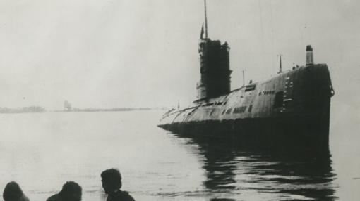 Submarino soviético con el que podría relacionarse la recepción de las ondas cortas