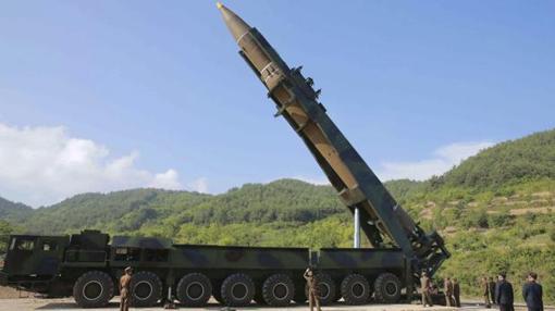 Imagen de un misil balístico intercontinental, Hwasong-14, en Corea del Norte
