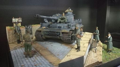 diorama que muestra a un Tiger