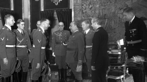Heinrich Himmler se entrevista con Francisco Franco en 1940.