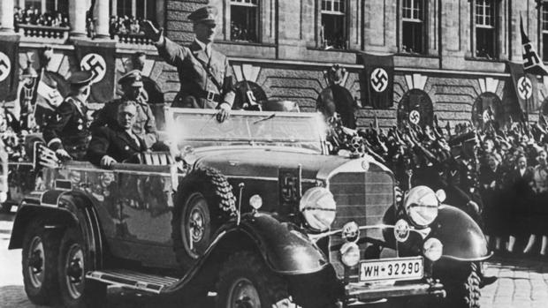 Hitler, entra en Austria