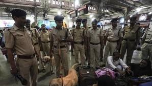 Un empleado de seguridad huye con más de 3 millones de dólares en la India