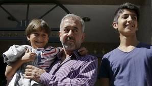 El refugiado sirio acogido en Getafe suplica ayuda para traer a España a su mujer e hijos por Navidad