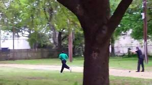 Captura del vídeo en el que Michael Slager dispara a Walter Scott