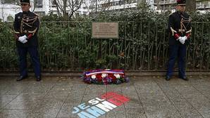 «Charlie Hebdo» hace su crónica del atentado en su número del aniversario