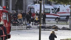 Una explosión causa al menos diez muertos y quince heridos en el centro de Estambul