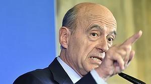 Juppé aventaja a Sarkozy en intención de voto conservador