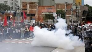 Veinticinco heridos en las protestas por la subida del precio del transporte en Sao Paulo