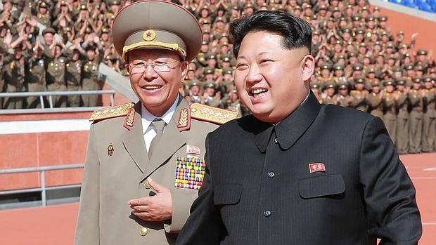 Kim Jong-Un asiste a un desfile el pasado mes de octubre