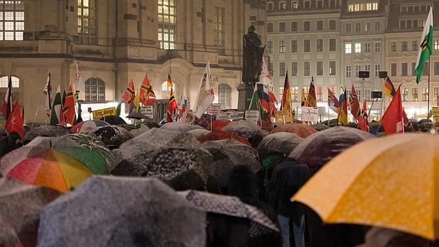 Protesta del partido antiinmigración Pegida en Dresde, celebrada ayer