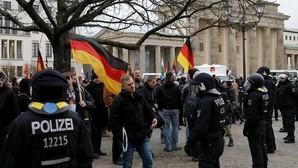 Miles de ultraderechistas marchan en Berlín contra la «invasión» de Alemania