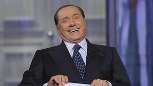 Berlusconi descalifica a una rival política asegurando que no puede ser madre y alcaldesa
