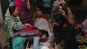 La matanza de cristianos en Pakistán podría alcanzar el centenar de muertos