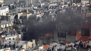 Al menos 8 heridos por una fuerte explosión de gas en un edificio del centro de París