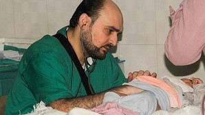 Doctor Moaz, el último ángel del infierno de Alepo