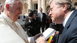 El Papa y el secretario de Estado del Vaticano reciben al padre de Leopoldo López